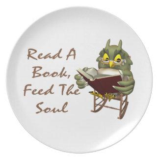 Los libros alimentan a alma el búho sabio plato para fiesta