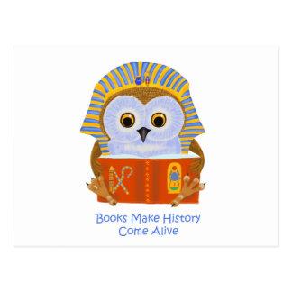 Los libros hacen que la historia viene vivo postal
