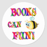 Los libros son diversión pegatina redonda