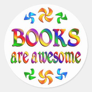 Los libros son impresionantes pegatina redonda