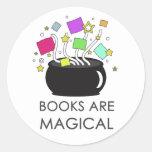 Los libros son mágicos pegatinas redondas
