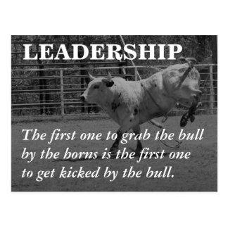 Los líderes verdaderos agarran el toro por los postal