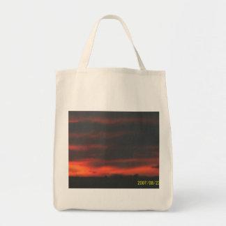 Los llanos de las granjas revelan puesta del sol n bolsa tela para la compra