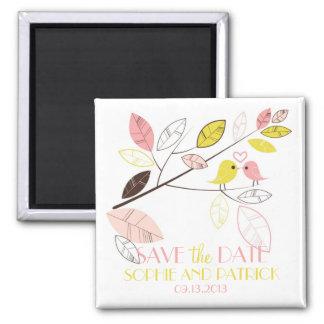 Los Lovebirds rosados y amarillos lindos ahorran Imán Cuadrado