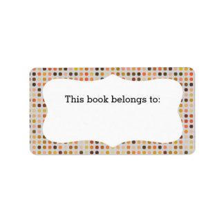 """Los lunares coloridos """"este libro pertenecen"""" a etiquetas de dirección"""