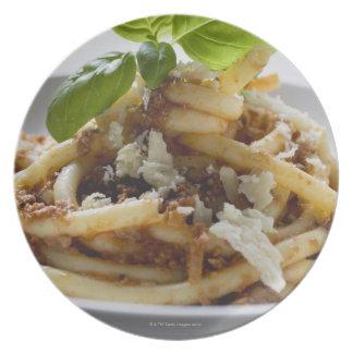 Los macarrones con pican la salsa y el queso platos de comidas