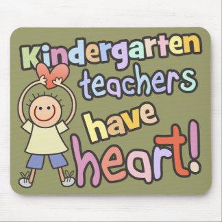 Los maestros de jardín de infancia tienen corazón alfombrilla de ratones