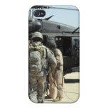 Los manipuladores de perro de trabajo militares iPhone 4 coberturas