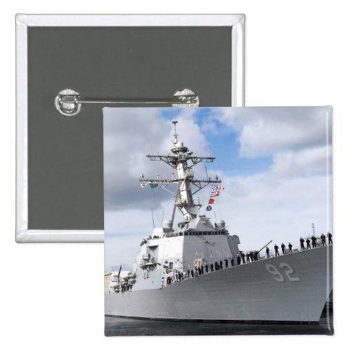 Los marineros sirven los carriles pin cuadrada 5 cm