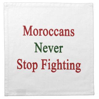 Los marroquíes nunca paran el luchar servilletas