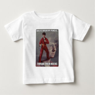Los matones del meme de Kyle del karate rompen mis Tshirt