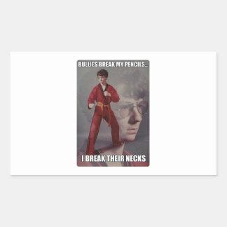 Los matones del meme de Kyle del karate rompen mis Etiqueta