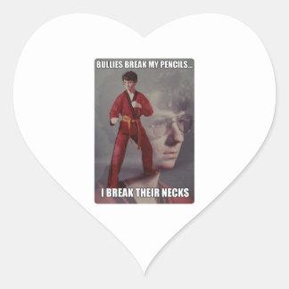 Los matones del meme de Kyle del karate rompen mis Pegatina De Corazón Personalizadas