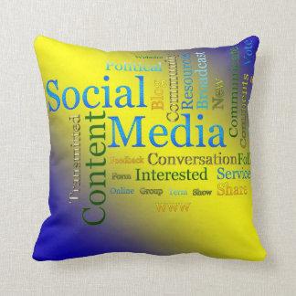 Los medios sociales diseñan la parte posterior del cojín decorativo