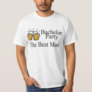 Los mejores jarros de la cerveza del hombre de la playera