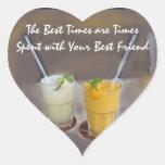 Los mejores tiempos son épocas con su mejor amigo pegatina en forma de corazón