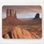 Los mesas famosos del valle del monumento, Utah Alfombrillas De Raton