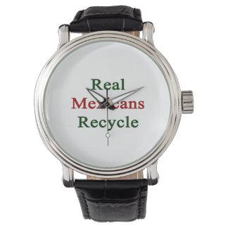Los mexicanos reales reciclan relojes de mano