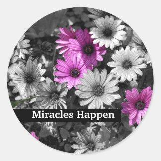 Los milagros suceden pegatina inspirado de las mar