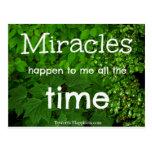 Los milagros suceden postal de la afirmación