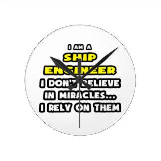 Los milagros y la nave dirige… divertido relojes