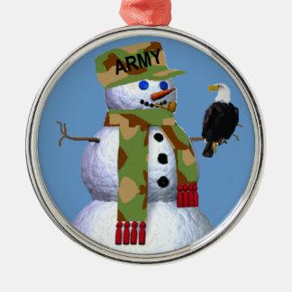 Los militares del ejército adornan adorno navideño redondo de metal