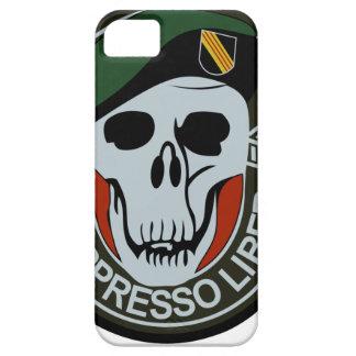 Los militares NEGROS de las fuerzas especiales OPS iPhone 5 Case-Mate Cárcasa