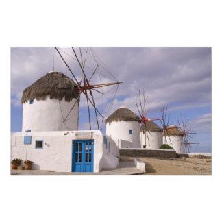 Los molinoes de viento de Mykonos en las islas gri Foto