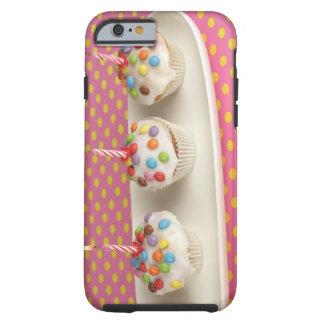 Los molletes del cumpleaños con la formación de funda de iPhone 6 tough