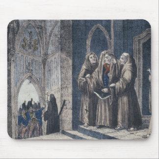 Los monjes que cubren al rey con cubren el convent tapete de ratones