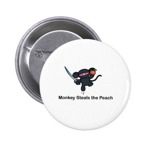 Los monos de Ninja del vuelo roban el melocotón Pin