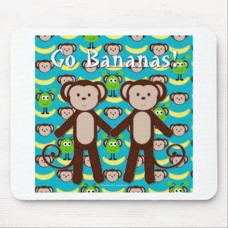 Los monos en espacio van los plátanos alfombrillas de ratón