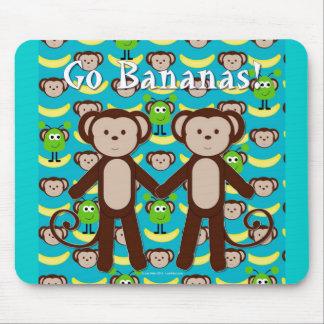 Los monos en espacio van los plátanos alfombrillas de ratones