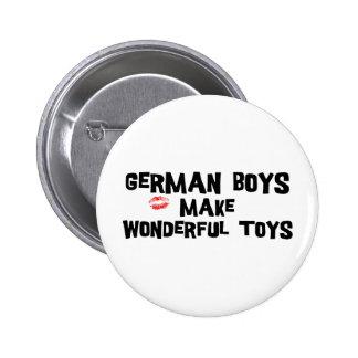 Los muchachos alemanes hacen los juguetes maravill pin