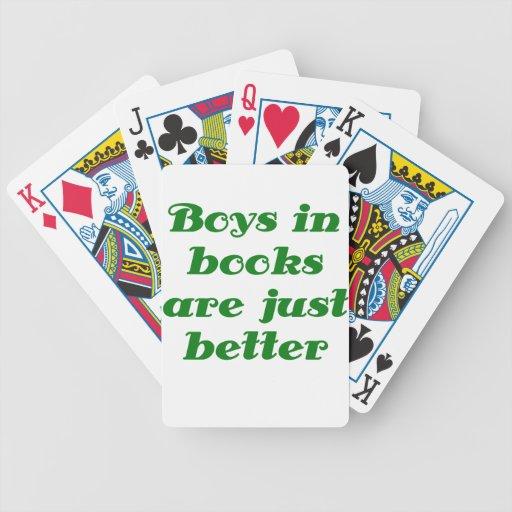 Los muchachos en libros son apenas mejores barajas
