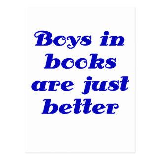Los muchachos en libros son apenas mejores postales