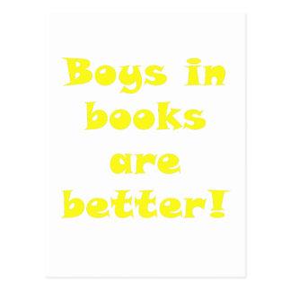 Los muchachos en libros son mejores postal