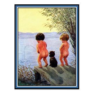 """Los """"muchachos serán muchachos """" postales"""