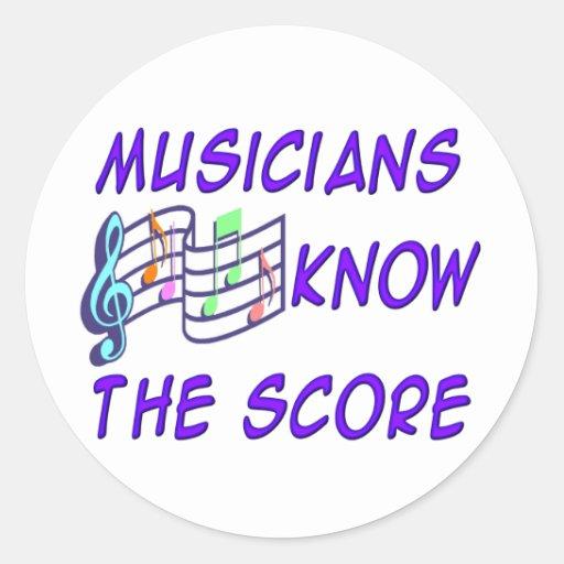 Los músicos saben la cuenta etiqueta redonda