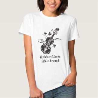 Los músicos tienen gusto de tocar el violín remera