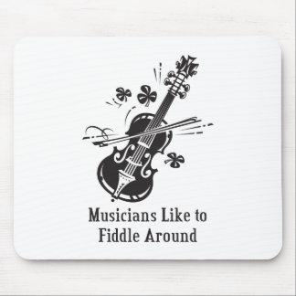 Los músicos tienen gusto de tocar el violín tapete de ratones
