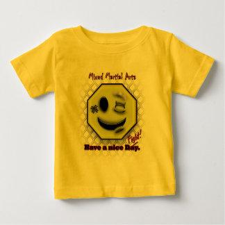 Los Muttahida Majlis-E-Amal sonríen, tienen Niza Camisetas