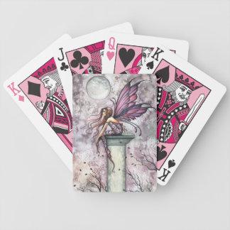 Los naipes de hadas del puesto de observación por barajas de cartas
