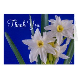 Los narcisos le agradecen, esconden tarjeta de felicitación