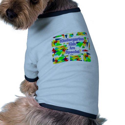 Los niños de la guardería son especiales ropa de mascota