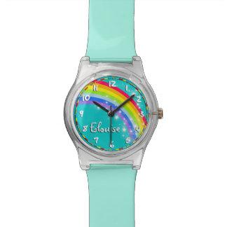 Los niños del arco iris nombraron el trullo de la reloj