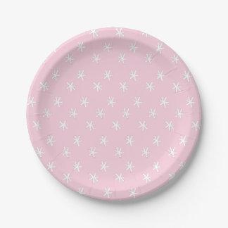 Los niños del golpe del confeti van de fiesta las platos de papel