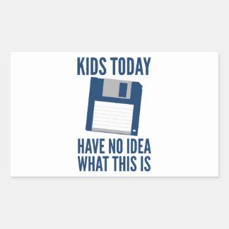 Los niños no tienen hoy ninguna idea cuáles esto rectangular altavoces