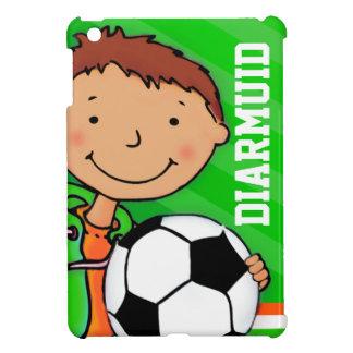 Los niños nombran el ipad del verde del muchacho d iPad mini cárcasa