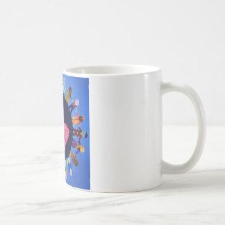 Los niños pacíficos en todo el mundo asaltan taza de café